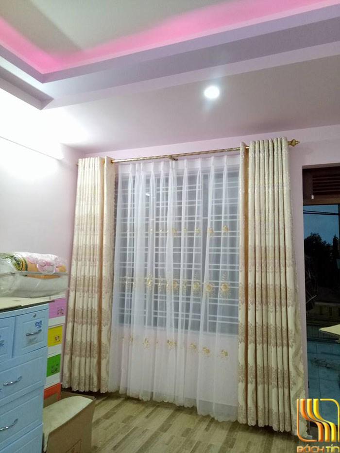 Màn cửa hai lớp ngấm thêu đẹp tại Đà Nắng