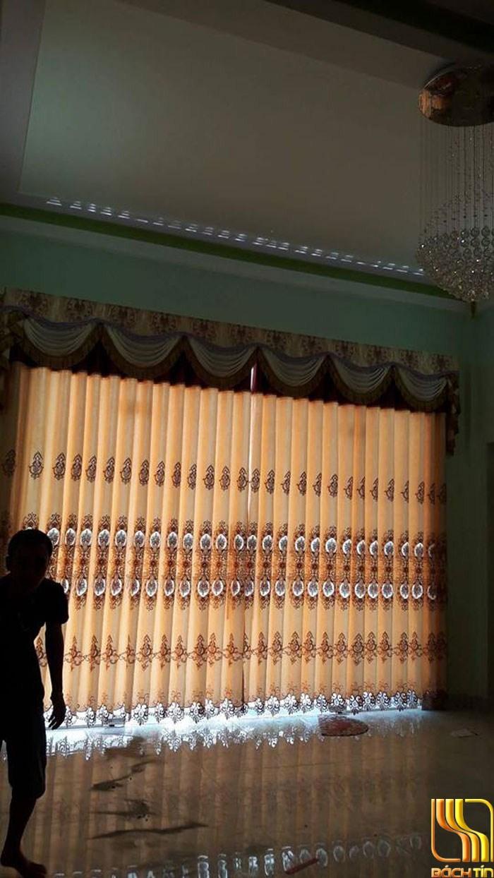 mẫu rèm cửa hoa may yếm cầu kỳ ở Đà Nẵng