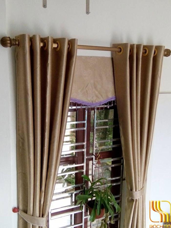 Rèm cửa sổ trơn hoa chim màu kem tại Đà Nẵng