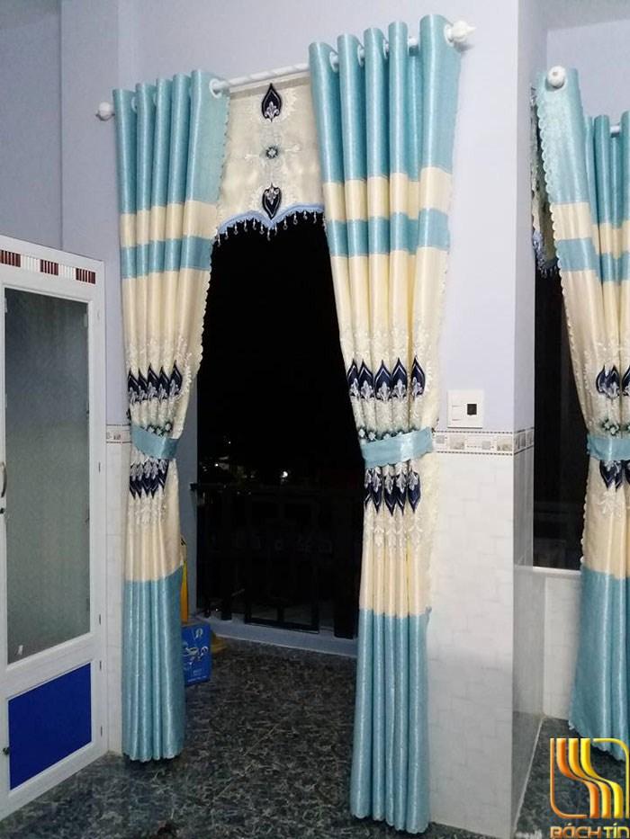 Màn cửa thêu vi tính màu xanh thật tinh tế tại Đà Nẵng