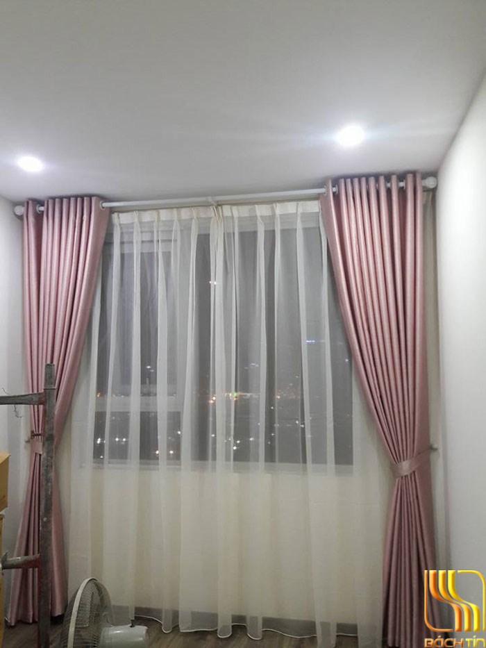 Rèm vải màu phẫn hồng trung cư ở Đà Nẵng
