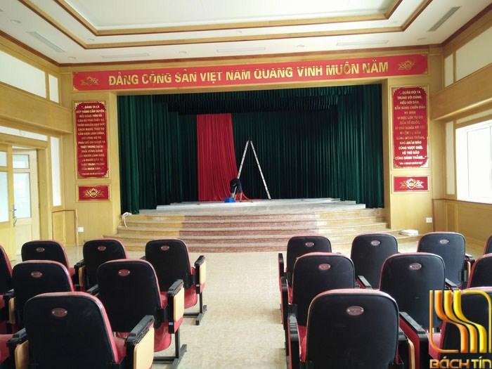 rèm phông phòng hội trường màu xanh giá rẻ ở Đà Nẵng