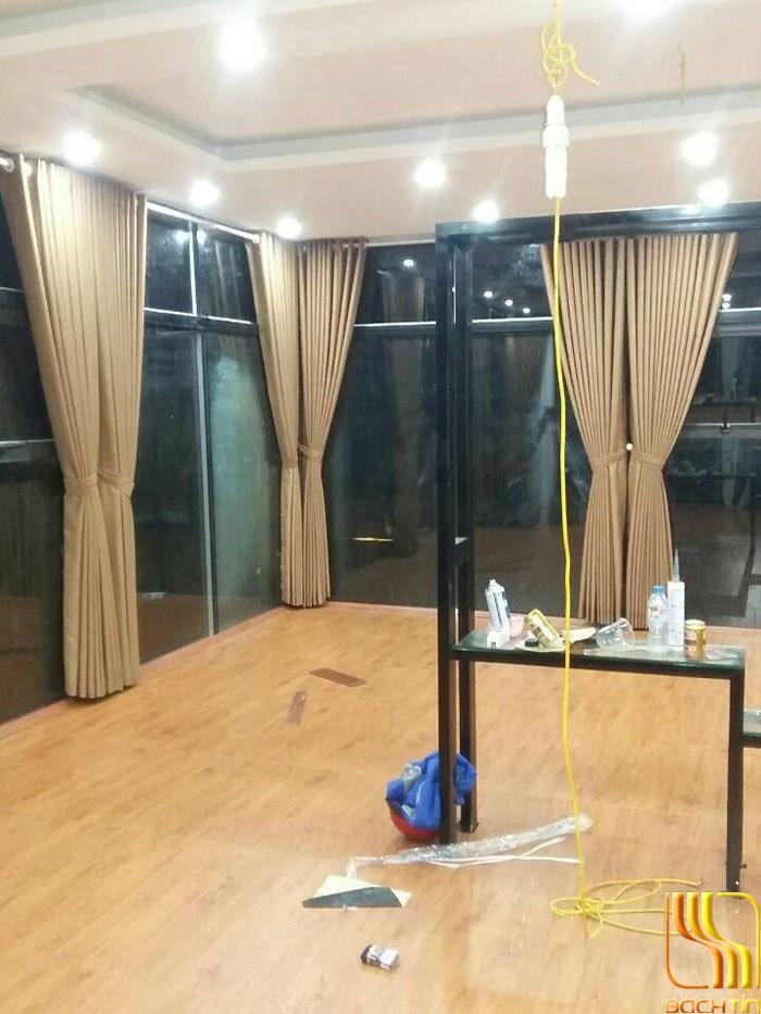 rèm vải một màu chống nóng cho nhà hàng ở Đà Nẵng