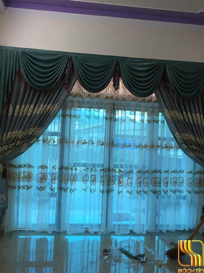 rèm vải gấm thêu hoa yếm lợn cho phòng khách đẹp ở Đà Nẵng