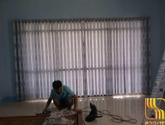 Rèm vải nghi cửa chính phòng khách tại Đà Nẵng