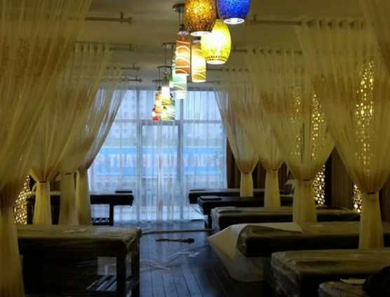 rèm voan hoa mỏng ngăn giường spa tại Đà Nẵng